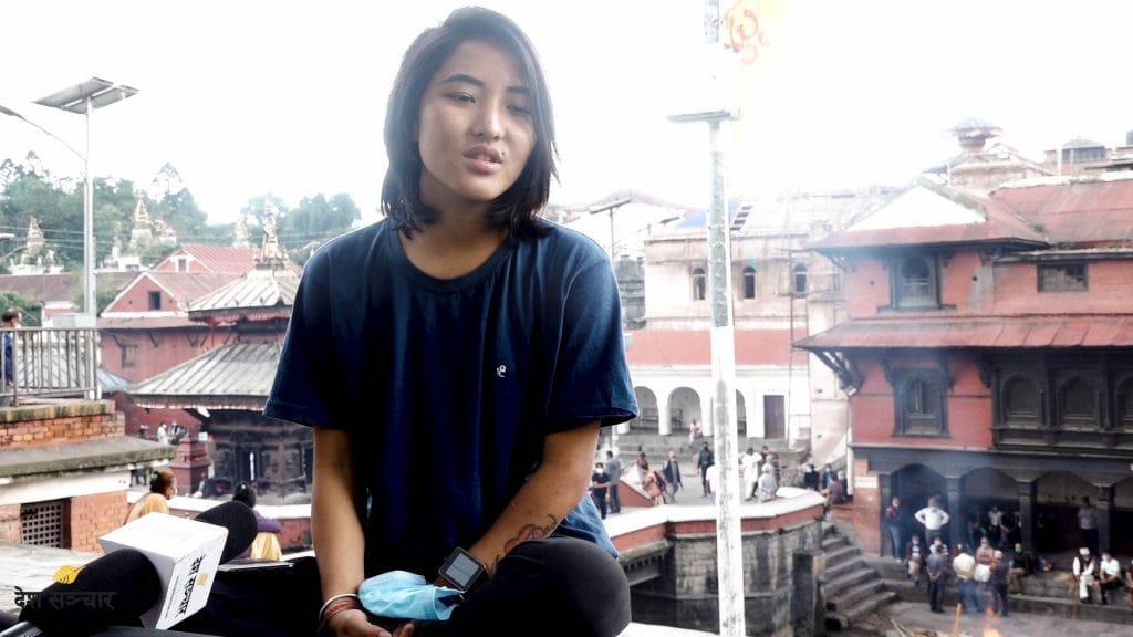 १८ वर्षीया सपना रोका मगर- जो दिन्छिन् बेवारिसे शवहरुलाई दागबत्ती (भिडियो स्टोरी)